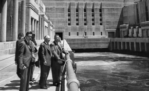 Prime Minister Shah Mahmood visits the Hoover Dam.