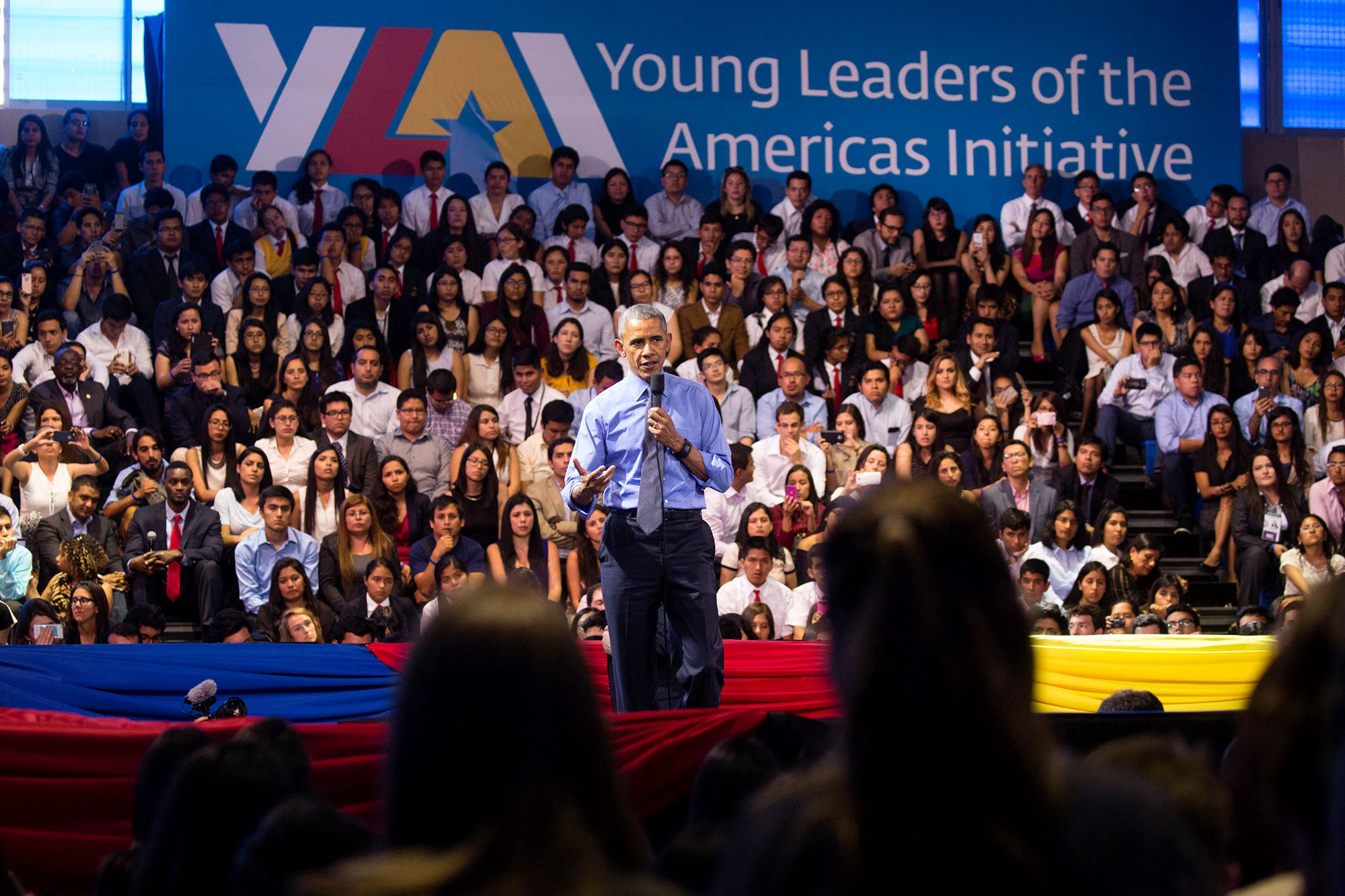 President Barack Obama participates in the Young Leaders of the Americas Initiative (YLAI) town hall at the Pontifical Catholic University of Peru in Lima, Peru, Nov. 19, 2016. (Official White House Photo by Chuck Kennedy)