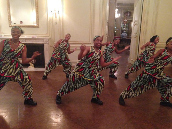 Young women from the Taratibu Youth Association performed at the reception.
